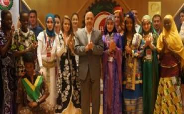 Türkçenin Çocukları Hak-İş'i ziyaret etti
